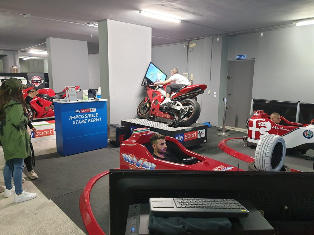 Fdrive Bergamo - Simulatori di Guida Professionale - Eventi e Party Privati